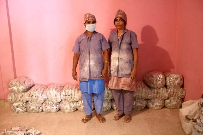 """Mothakkara: 2 Frauen der """"Nutri-Fabrik"""""""