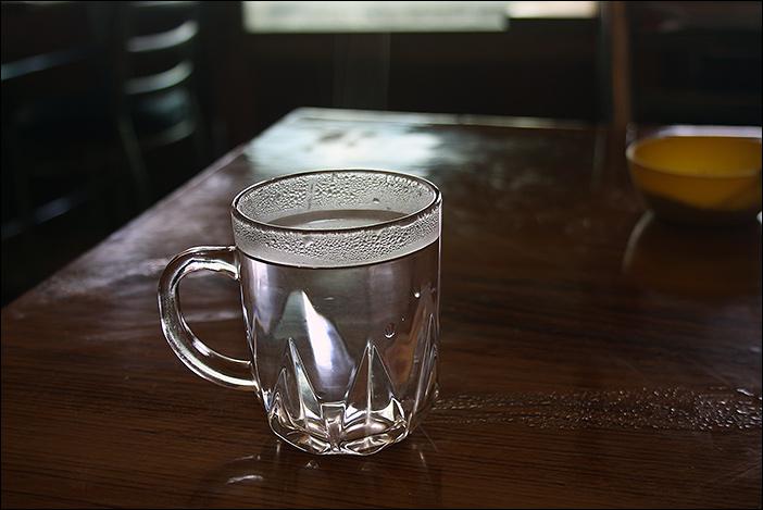 Glas heißes Wasser