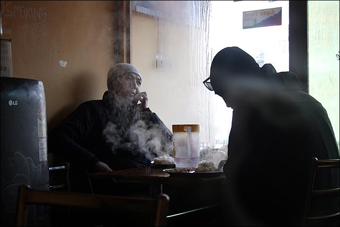 Gäste im Ladakhi Kitchen