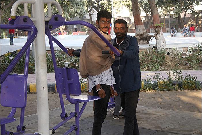 Dwarka: Portrait Fitnessparkbesucher