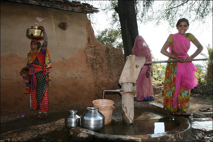 Handpumpe in Jhadol