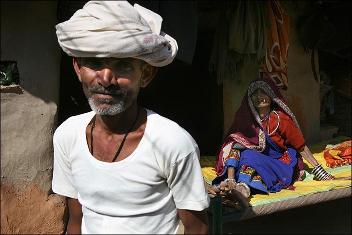 Mutter und Sohn in Jhadol