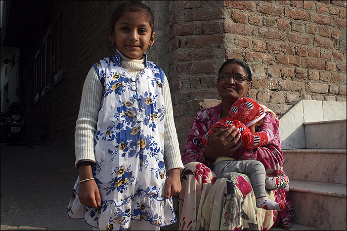 Mutter mit Kindern in Bikaner