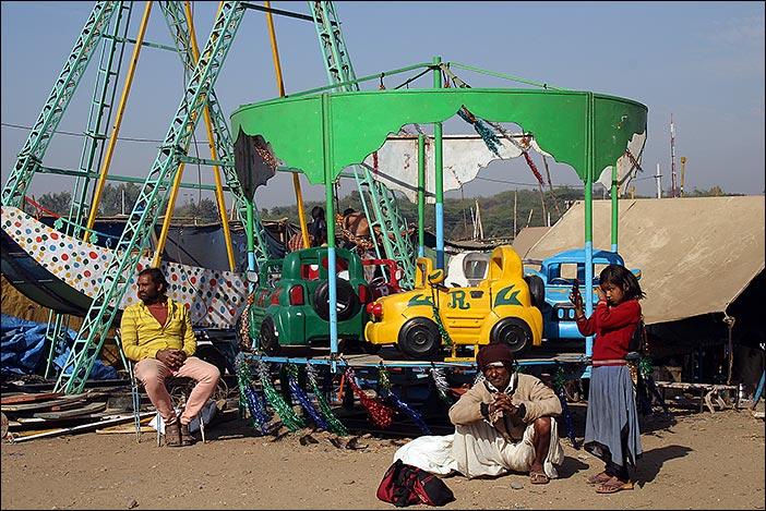 Fahrgeschäft auf Baneshwar Fair