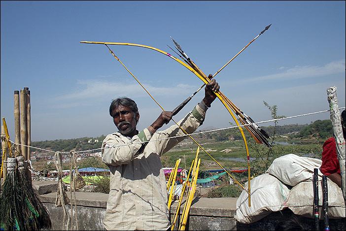Bogendemonstration auf Baneshwar Fair
