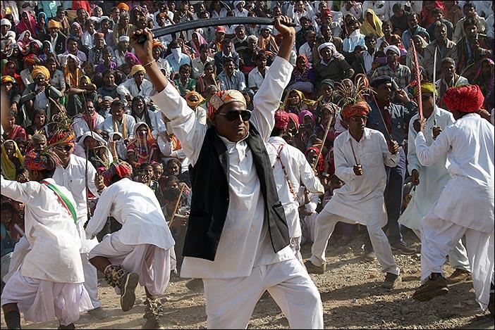 Tanzwettbewerb Baneshwar Fair