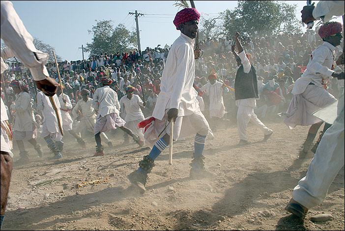 Gruppentanzwettbewerb auf Baneshwar Fair