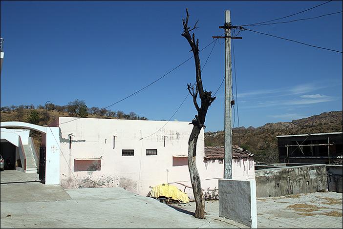 Hausvorhof in Morvania