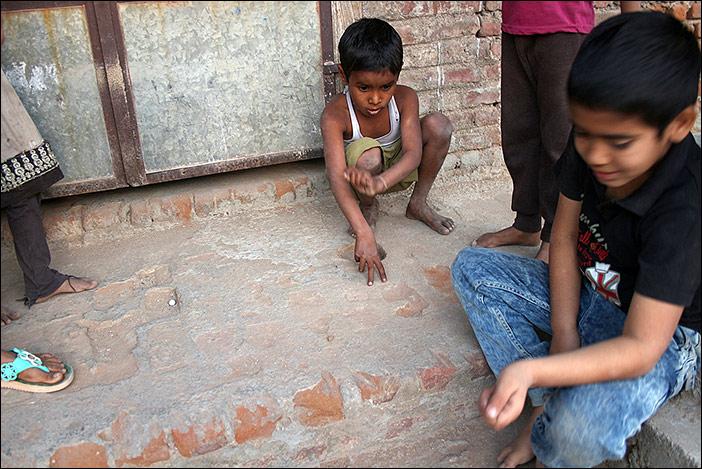 Spielkinder in Ghanerao