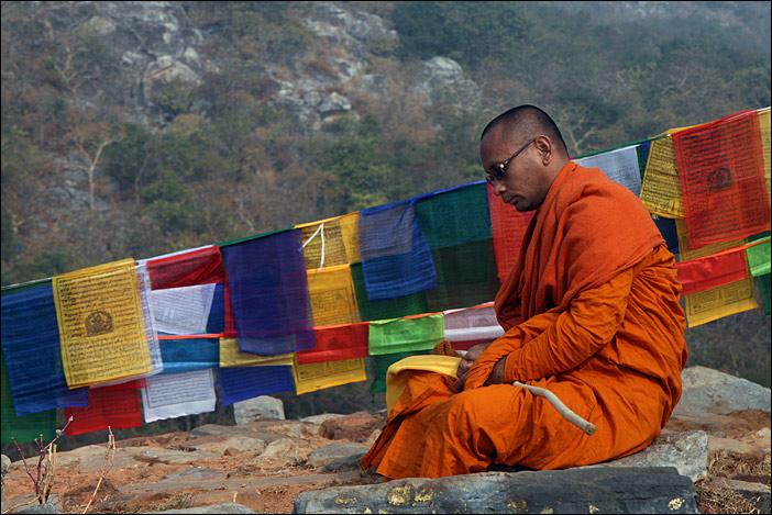Mönch auf dem Geierberg bei Rajgir