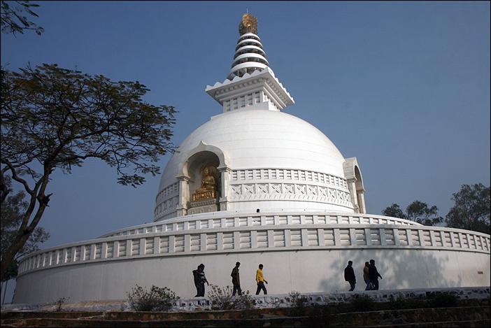 Shanti stupa in Rajgir auf dem Geierberg
