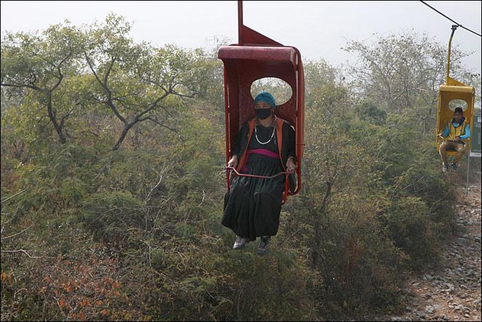 Sessellift zum Geierberg in Rajgir
