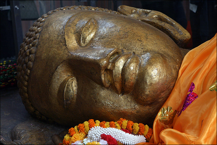 BUDDHA STATUE IN KUSHINAGAR
