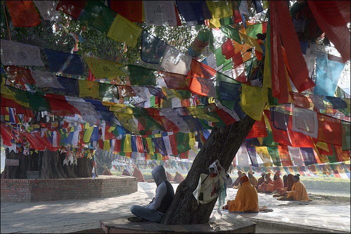 Meditierende in Lumbini/Nepal